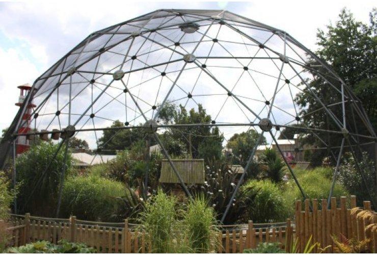 Installation of an Aviary
